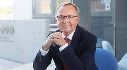 Prof. Hieronim Maciejewski powołany od września br. na Prezesa Fundacji UAM